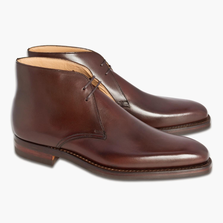 7b4bef929dc Klassisk chukka från Crockett & Jones, vid namn Tetbury, på 348-lästen och  med Dainite-sula. Mycket mångsidig sko, som funkar från höst till vår över  hela ...